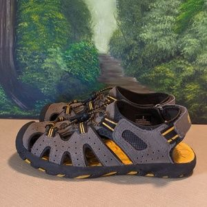 Khombu activity trail shoes